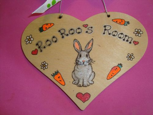 BUNNY HUTCH RUN CAGE OR BEDROOM SIGN ANY COLOUR RABBIT WOODEN PERSONALISED HEART TO ORDER